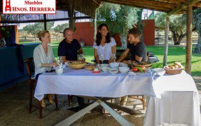 """Muebles Hermanos Herrera en """"Mi casa es la tuya"""" con Bertín Osborne y Pablo Alborán"""