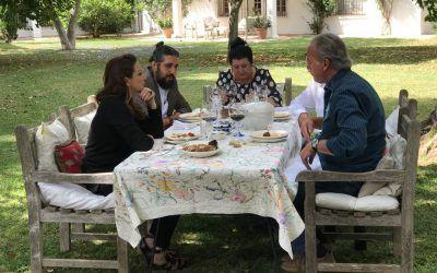 """Muebles Hermanos Herrera en """"Mi casa es la tuya"""" con Bertín Osborne y Niña Pastori"""
