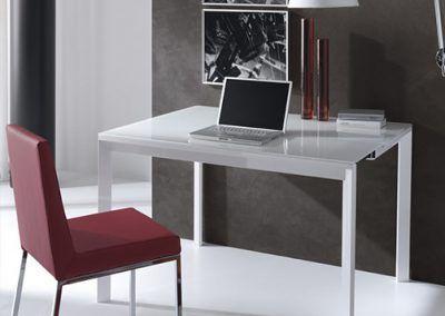 Tienda-de-muebles-en-Sevilla-Muebles-Hermanos-Herrera-comedor-metal-cristal-1577-006