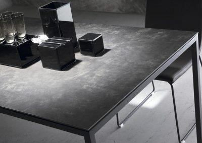 Tienda-de-muebles-en-Sevilla-Muebles-Hermanos-Herrera-comedor-metal-cristal-1577-058