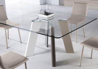 Tienda-de-muebles-en-Sevilla-Muebles-Hermanos-Herrera-comedor-metal-cristal-1577-090
